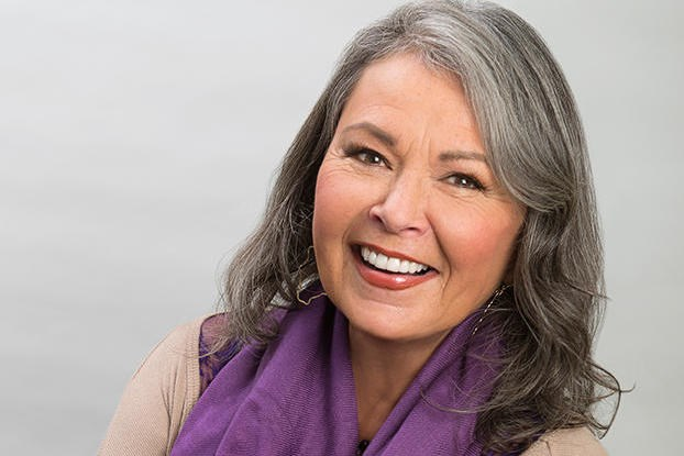 Roseanne-Barr-Biography-Married-Career-Familylife-Networth
