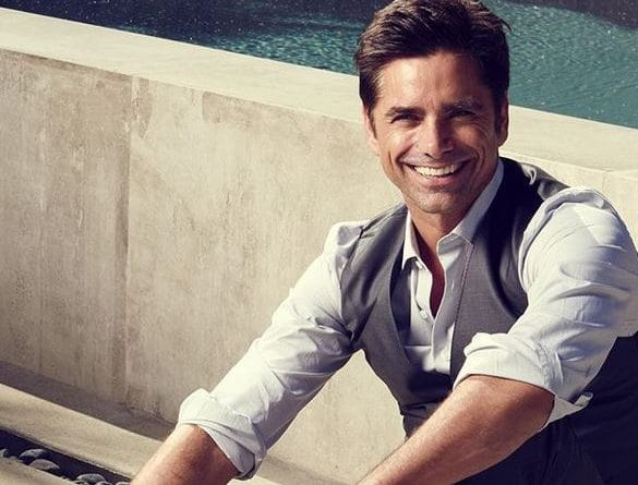 John-Stamos-Biography-Wiki-Career-Wedding-Family-Education-Body Measurement-Salary-Social-Media