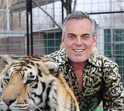 Colin-Cowherd-Biography-Wiki-Family-Education-Body-Measurement-Career-Networth-Salary