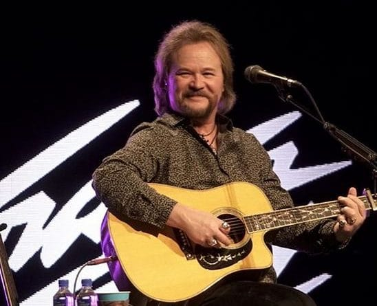Travis-Tritt-Biography-Married-Wiki-Family-Education-Bodymeasurement-Career-Networth-Salary