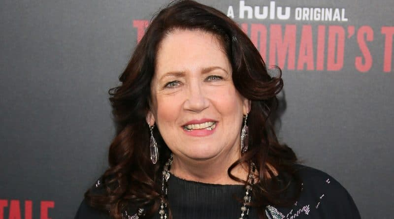 Ann-Dowd-Biography-Wiki-Body-Measurement-Salary-Career-Networth-Family