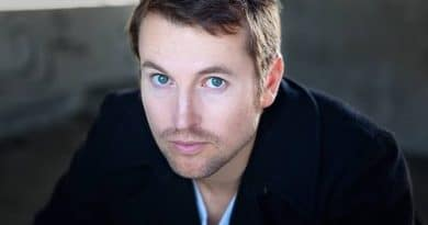 Leigh-Whannell-Biography-Wiki-Wedding-Relationship-Body-Measurement-Career-Salary-Networth